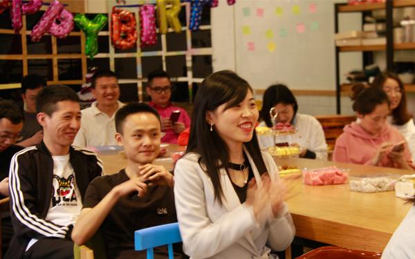 感恩有你,携手同行!将太餐饮12-4月员工生日会温情举办!