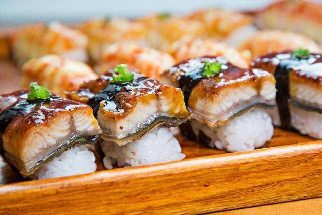 鲜目录寿司加盟多少钱
